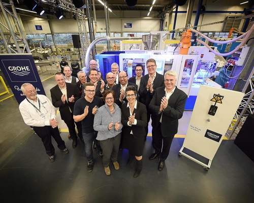 Anniversary machine: KraussMaffei delivers 100th injection molding machine to Grohe